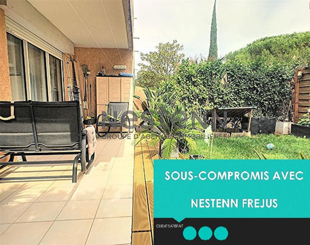 Vente Appartement JOLI T2 EN REZ-DE-JARDIN - PARKING + CAVE  à Frejus