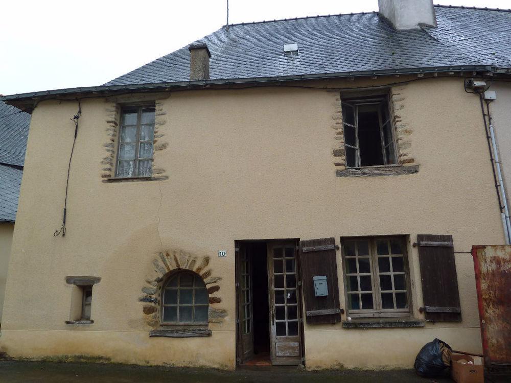Vente Maison Forcé, maison de bourg à rénover.  à Force