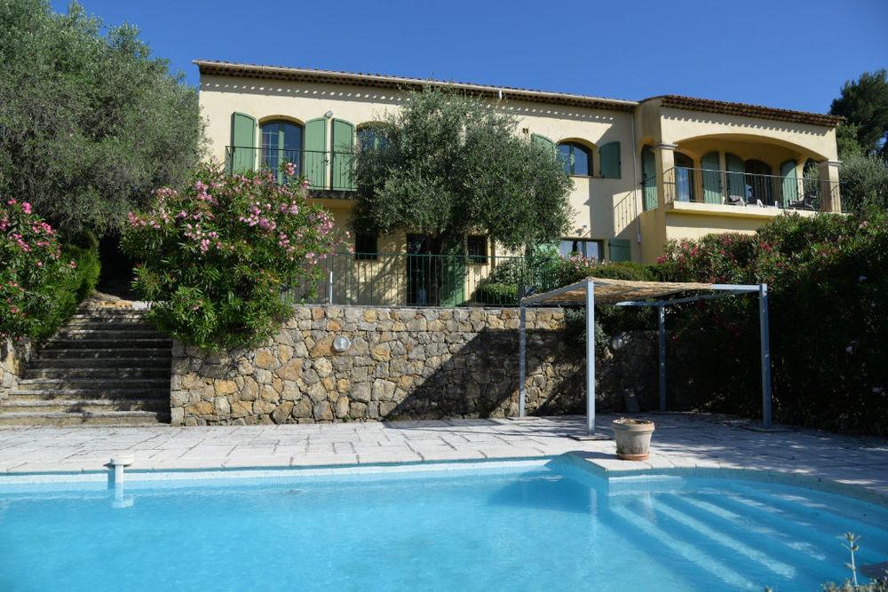 Vente Maison Villa Le Rouret 8 pièce(s) proche village - vue panoramique  à Le rouret