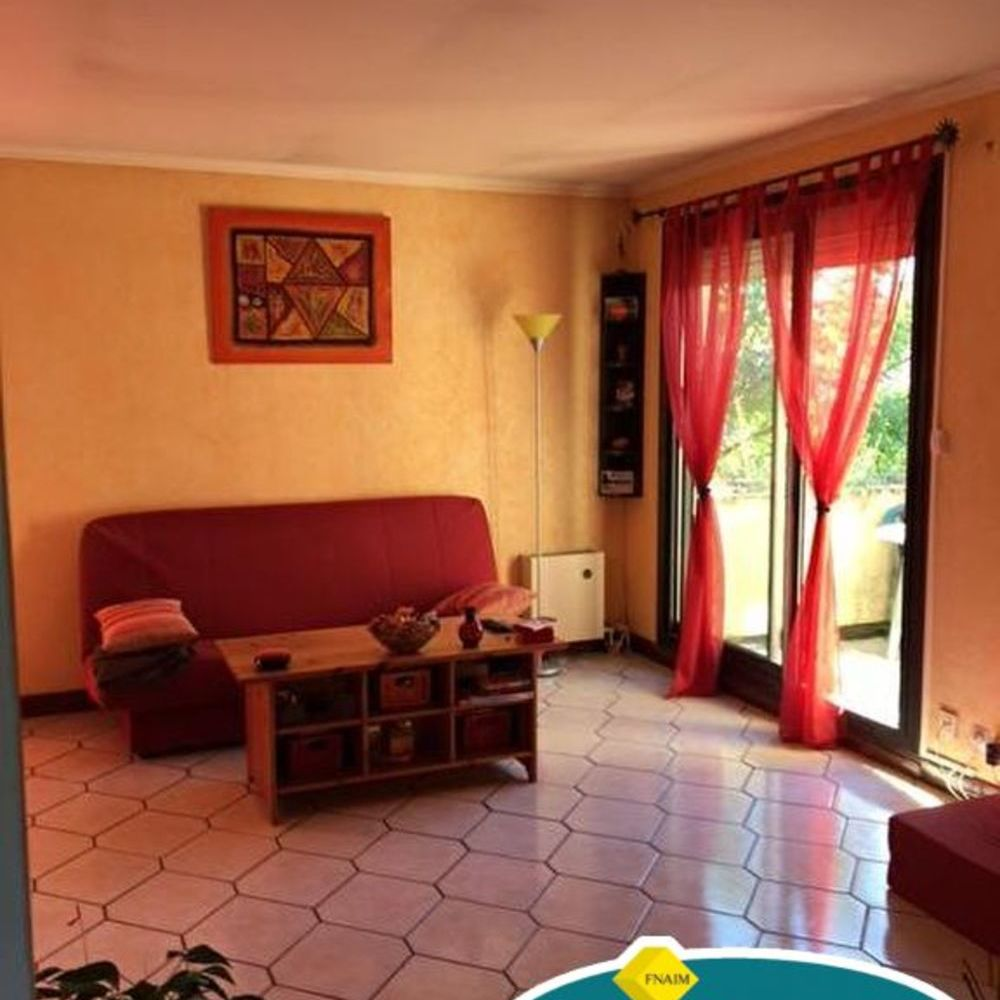 Location Appartement GRAND F2  à Combs la ville