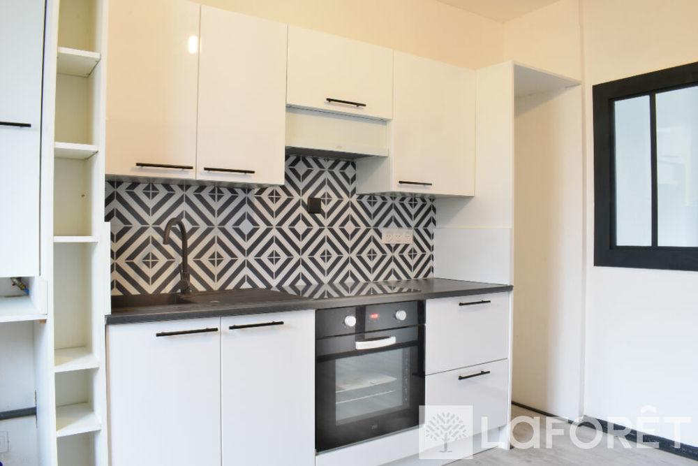 Location Appartement APPARTEMENT BRIVE LA GAILLARDE - 2 pièce(s) - 40 m2  à Brive la gaillarde
