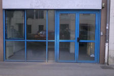 Local commercial avec vitrine- BOURGOIN JALLIEU - 42 m2 670