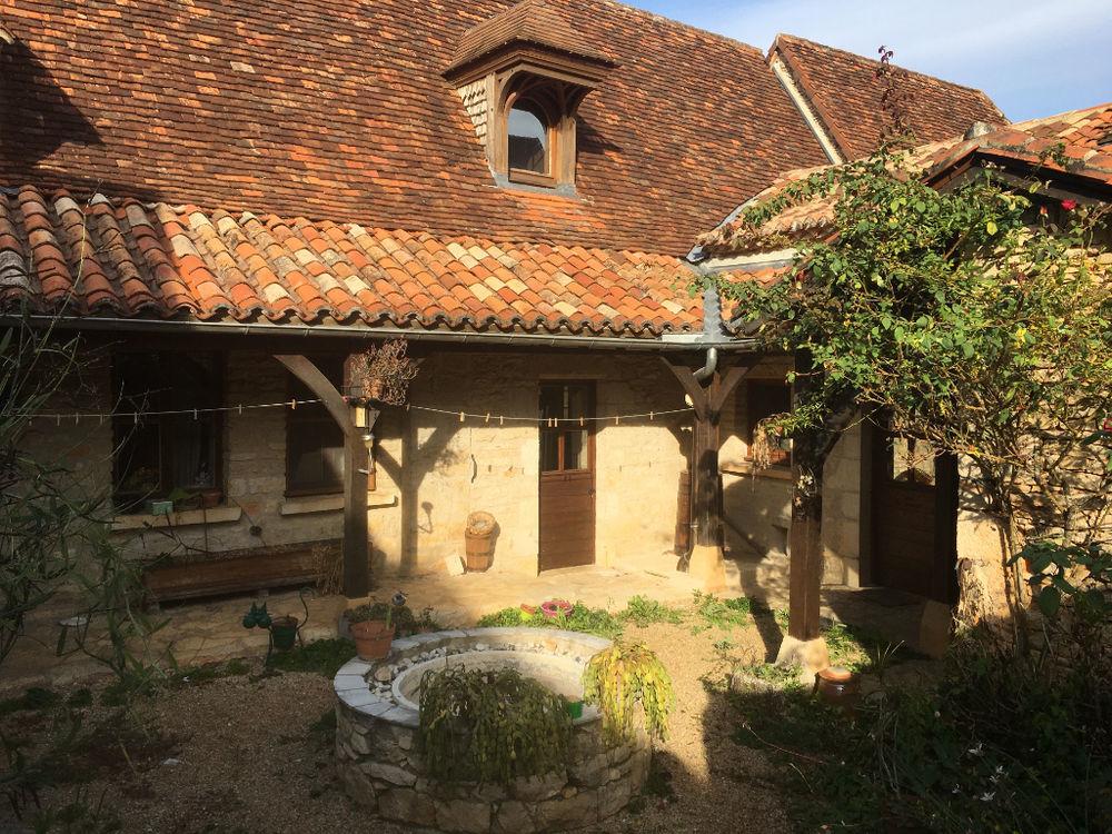 Vente Maison Maison en Pierre de 171.78m2 hab + garage, atelier, studio indépendant, cave Cubjac