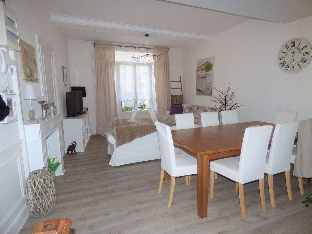 Location Maison Appartement sur 4 niveaux - 5/6 pieces PITHIVIERS Pithiviers