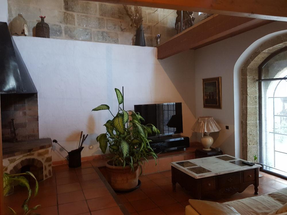 Vente Maison Istres Maison de charme avec jardin et abris à moto  à Istres