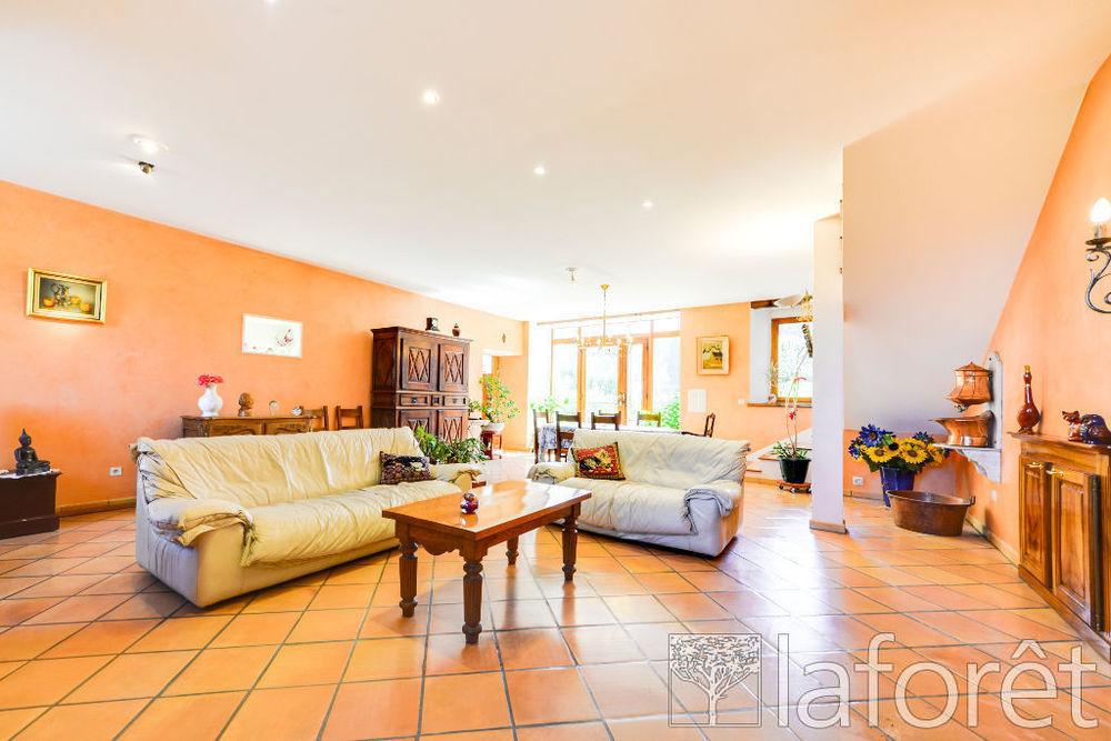 Vente Maison Maison Cusy 9 pièce(s) 250 m2  à Cusy