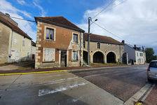 en vente Maison  7 pièce(s)  5 chambre 35000 Alligny-Cosne (58200)