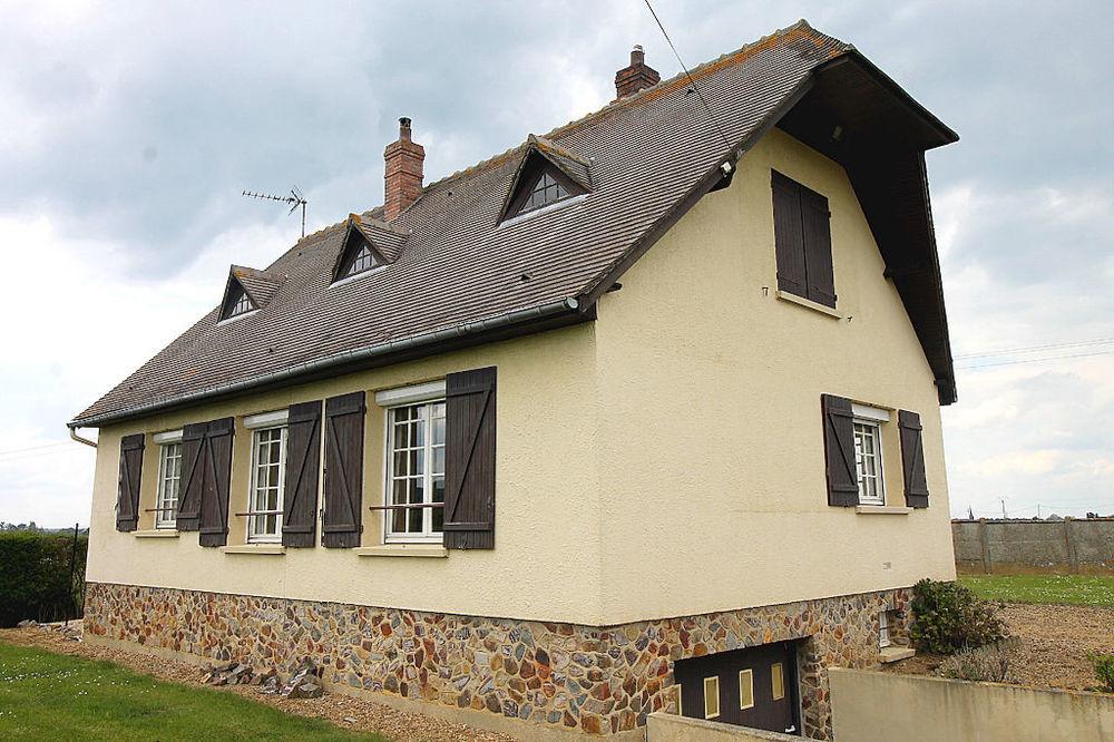 Vente Maison VERNEUIL D'AVRE ET D'ITON 27130, construction traditionnel sur sous sol complet, situé sur un jardin clos d'une contenance de 82  à Verneuil d avre et d iton
