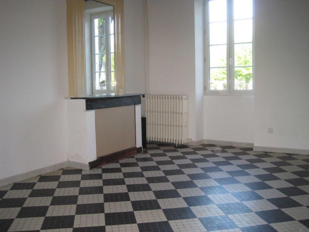 Location Maison Maison Preignac 4 pièce(s) 107 m2  à Preignac