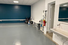 A LOUER- LOCAL COMMERCIAL- 200 m² 2800