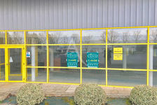 Local commercial  173 m2 1200