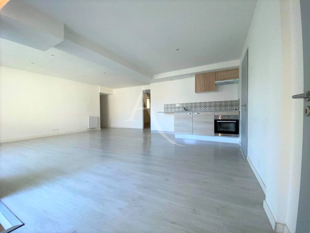 Vente Appartement COVID 19 NOUS SOMMES TOUJOURS LA! BESSIERES CENTRE appartement T3 en rdc entièrement rénové Bessieres