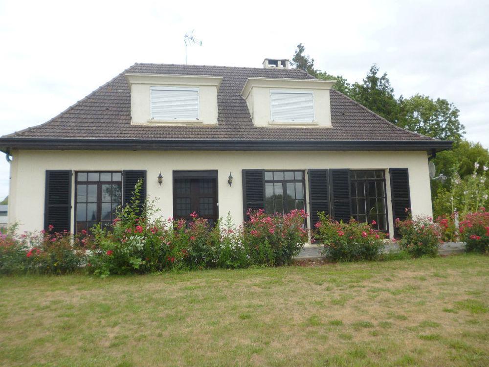 Location Maison Maison d'environ 125m² à louer sur l'axe PERONNE-ALBERT.  à Peronne