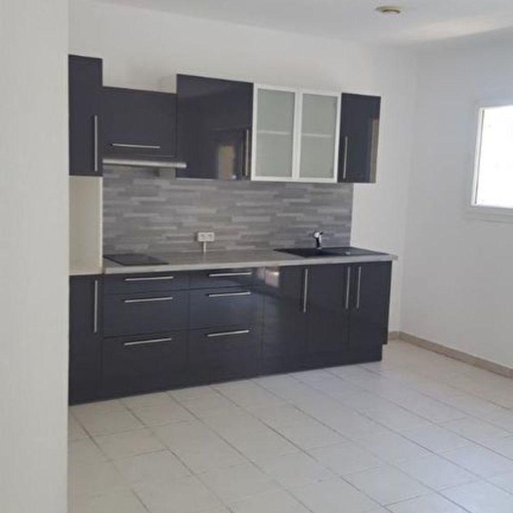 Location Appartement PORT ST LOUIS : APPART T2 + balcon + stationnement  à Port saint louis du rhone