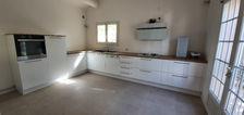 Arles, jolie villa de 79m² sur 2 niveaux avec jardin et terrasse. 990 Arles (13200)
