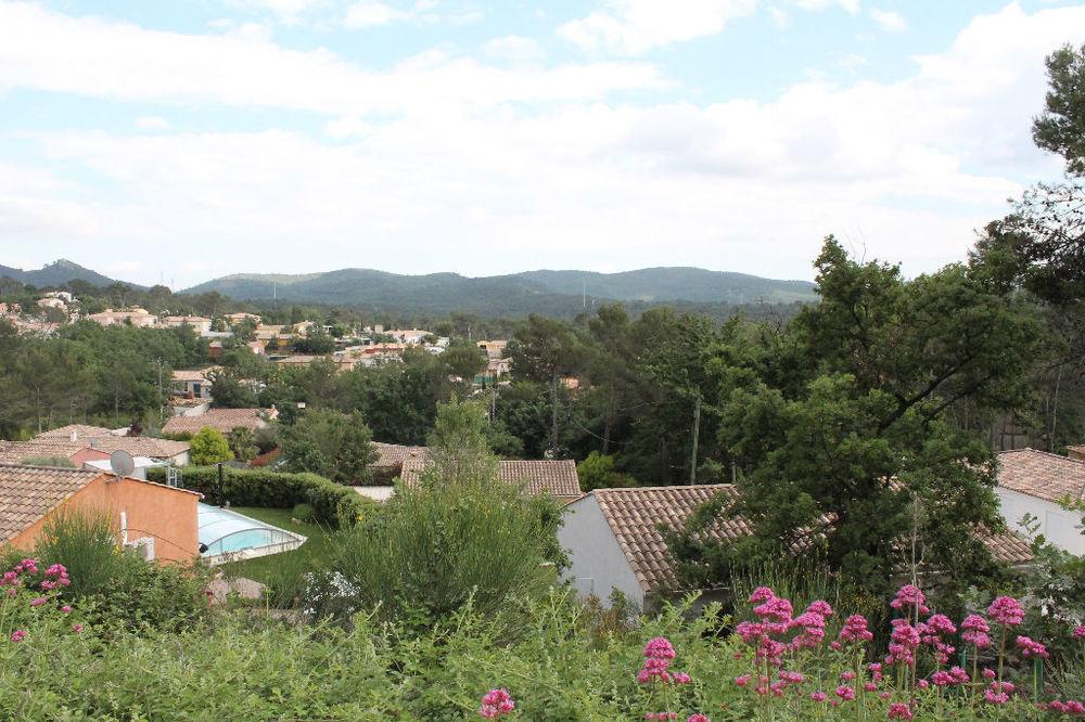Vente Terrain ROCBARON : Parcelle de terrain constructible de 1017 m²  à Rocbaron