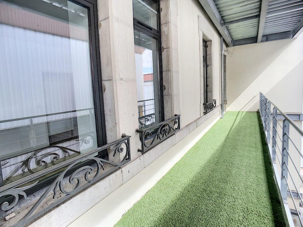 Vente Appartement Appartement Vesoul 2 pièce(s) 58 m2  balcon de 16m²  à Vesoul