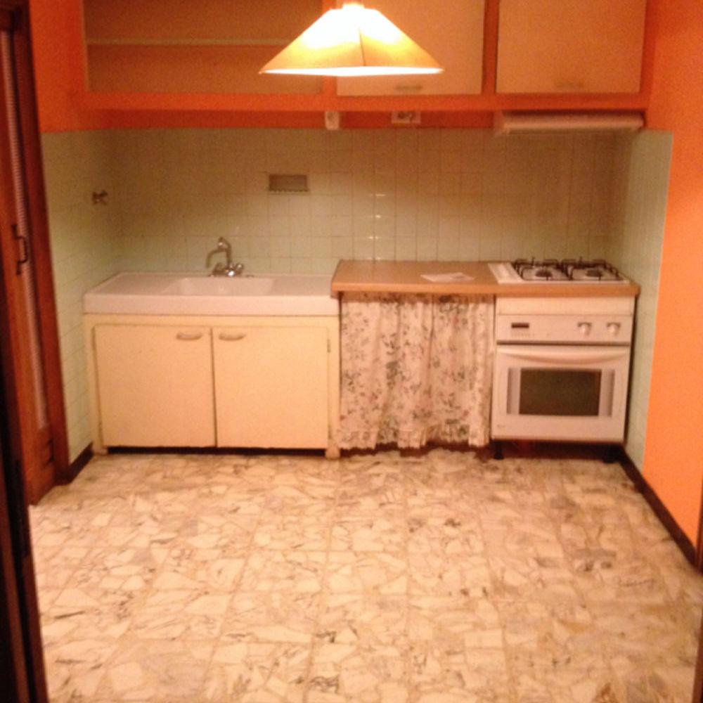 Location Appartement Grande maison de village sur 2 niveaux T5 à Ginassservis  à Ginasservis