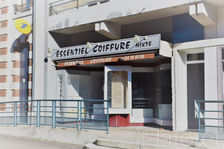 VESOUL : Local commercial, réserve, cave et stationnement. 59000
