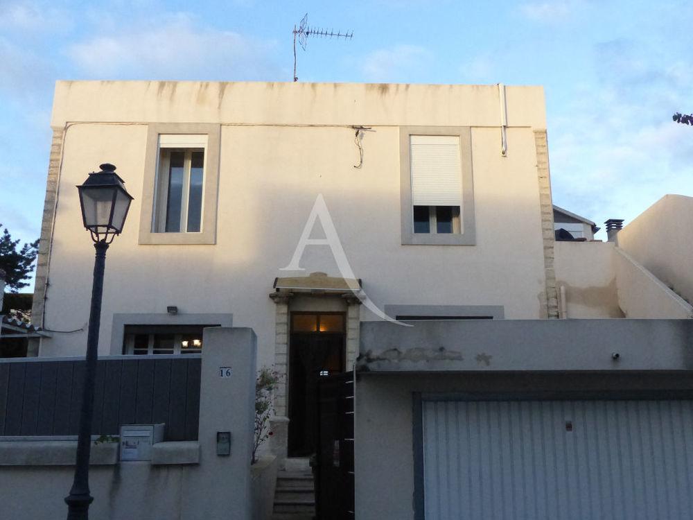Vente Maison Maison  6 pièce(s) 153.60 m2 Nimes