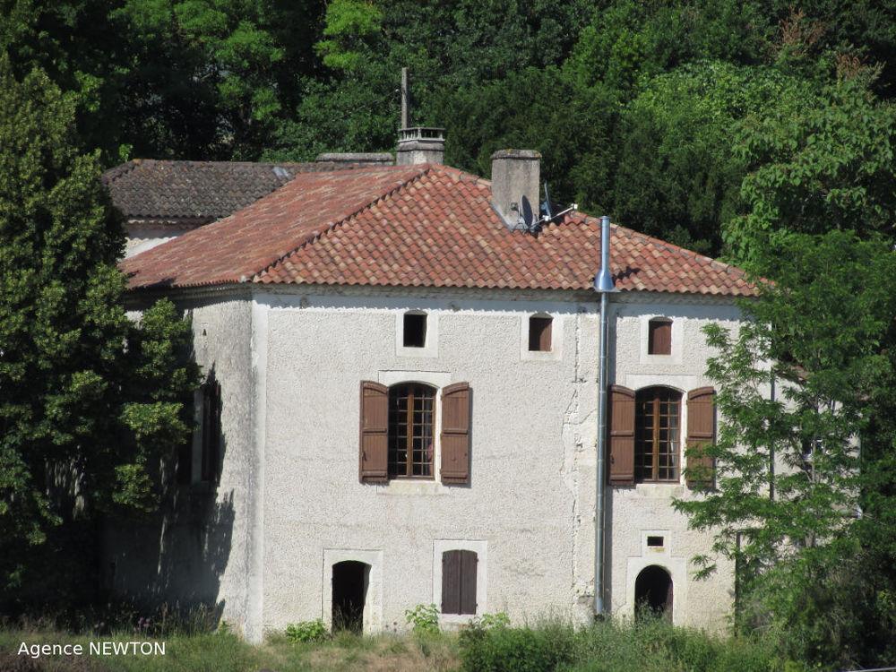Vente Maison QUERCY - ROQUECOR - Grande maison avec beaux volumes, 2 chambres, grange et 1.3 hectares dans un hameau  à Roquecor