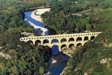 gite dans le pays d'Uzès-Pont du Gard.PETIT VILLAGE TYPIQUE  380 La Bastide-d'Engras (30330)