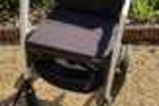 fauteuil roulant entièrement démontable pour transport . (45) - 0 €