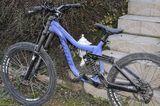 vends vélo de descente de marque KONA taille M 600 Saint-Jean-de-Niost (01)