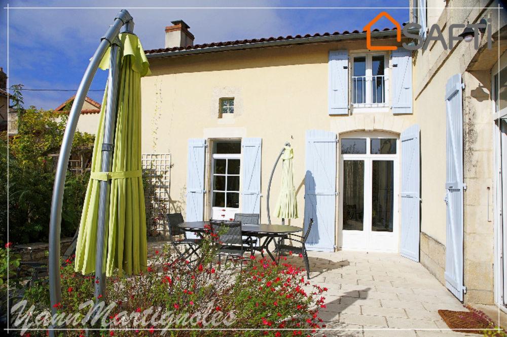 Vente Maison Neuville charmante maison ancienne rénovée avec goût  à Neuville-de-poitou