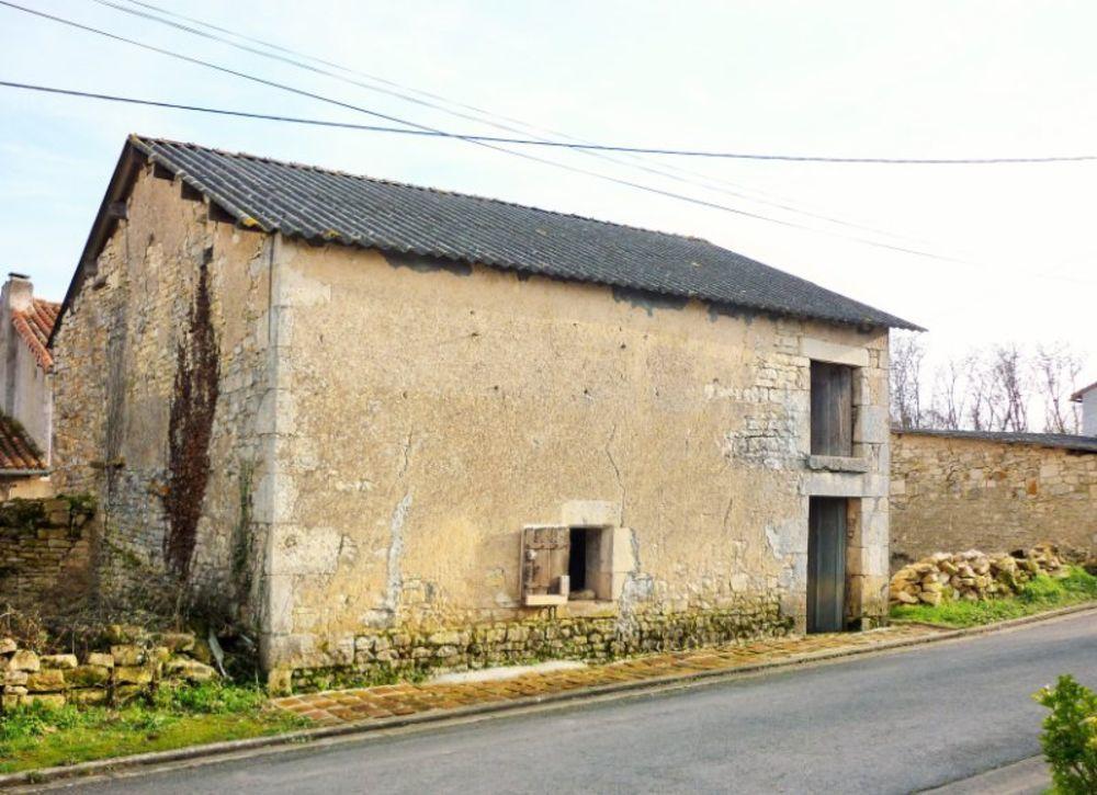 Vente Maison MAISON DE CAMPANE A RENOVER !  à Usson-du-poitou