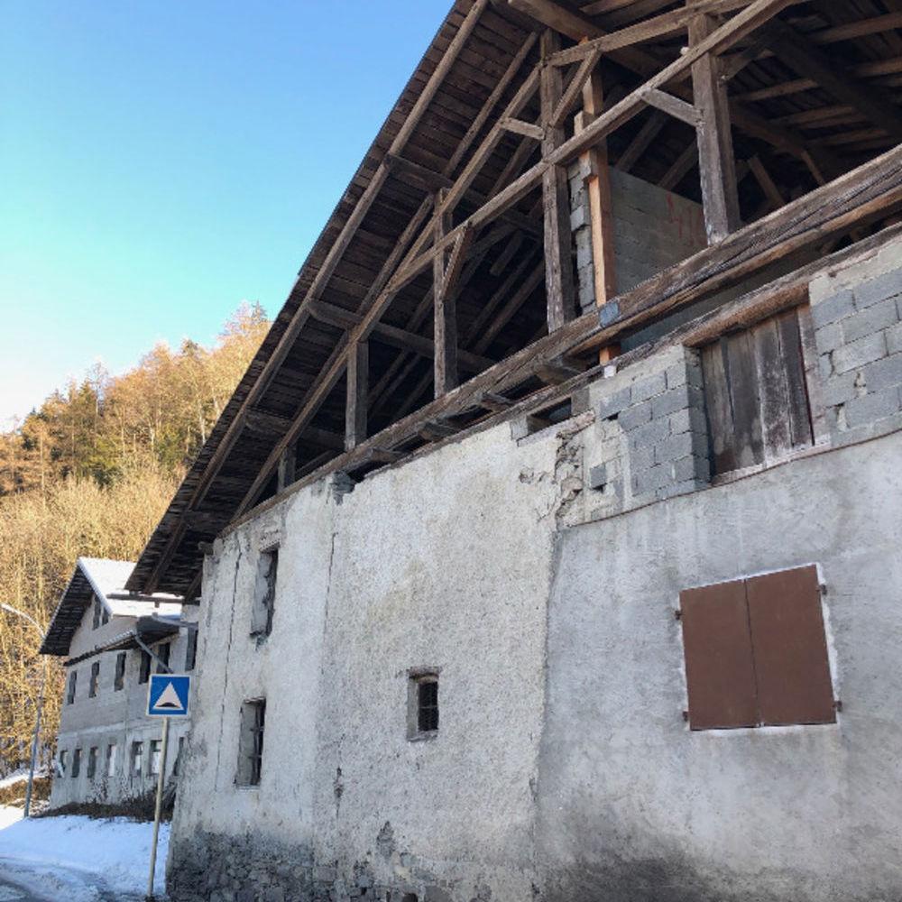 Vente Loft Grange à rénover au pied de La Plagne  à La plagne tarentaise