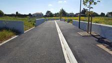 Terrain à bâtir viabilisé et clôturé, libre de constructeur en lotissement déjà paysagé 43000 Angles (85750)