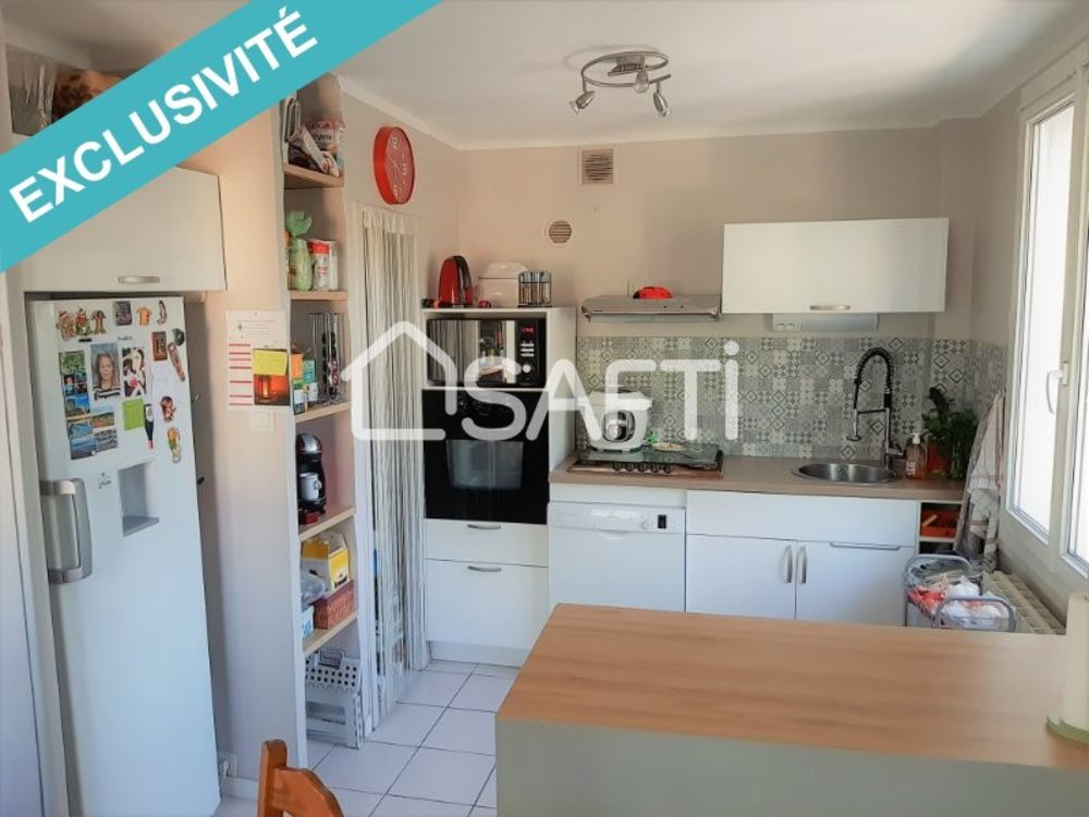 Vente Appartement Aix Av Jean Dalmas Bel Appart. Type 4 de 80 m² avec balcon, cave, parking  à Aix-en-provence