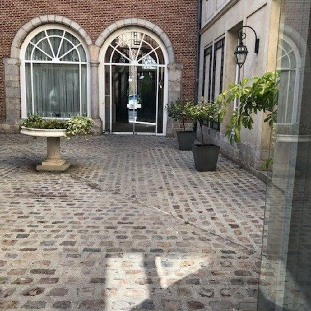 Vente Appartement T3 Vieux Lille à rafraîchir dans Résidence Services  à Lille
