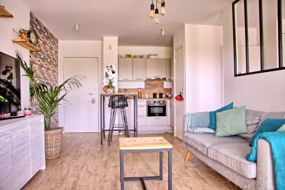 Vente Appartement RARE A LA VENTE T2 37m²  à Vitrolles