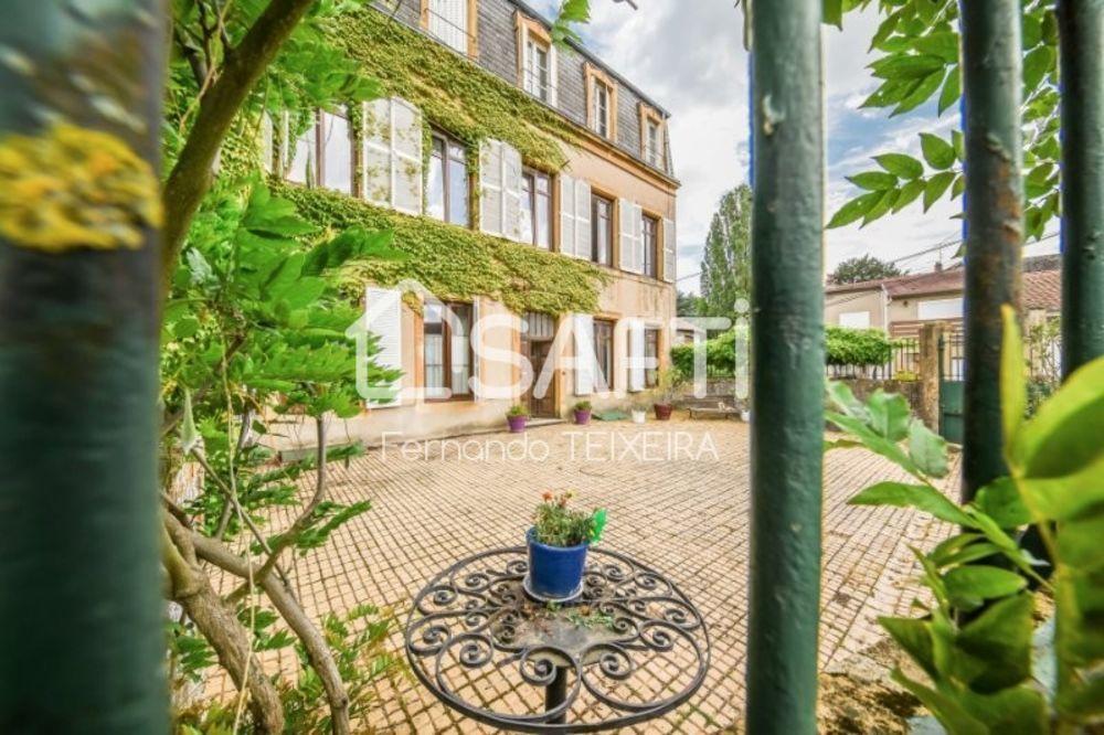 Vente Appartement A visiter au cœur de Lorry-Les-Metz dans un ancien couvent ce triplex de 175 m2.  à Lorry-les-metz