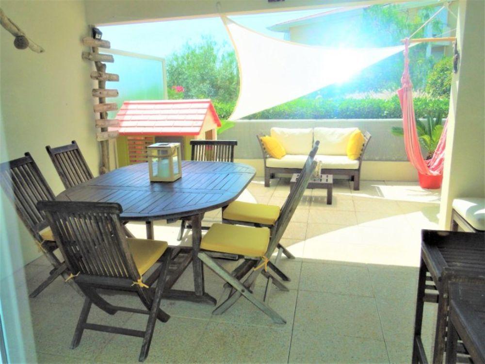 Vente Appartement Superbe et lumineux T3 moderne  en rez de jardin avec terrasse de 23.80m2 et garage deux voitures.  à Hyères