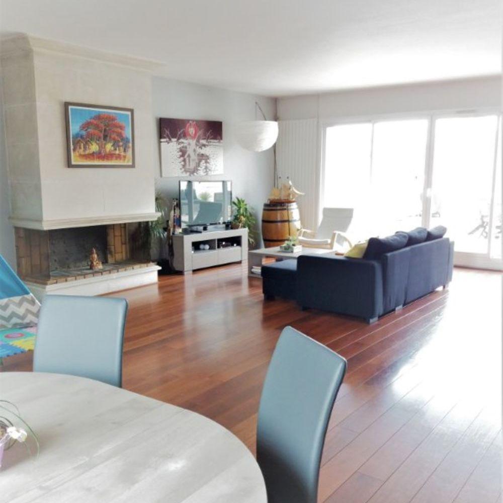 Vente Appartement Appartement 7 pièces de 213 m² avec Terrasse à Pau  à Pau