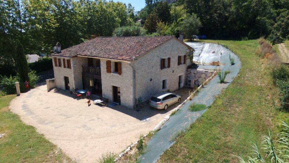 Vente Maison maison en pierres 7 pièces 250 m2  à Lauzerte