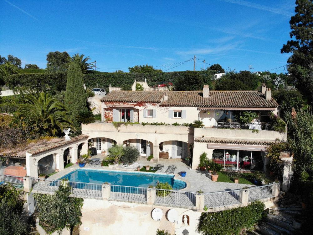 Vente Maison Villa 3 appartements - Vue panoramique mer!  à Roquebrune-sur-argens