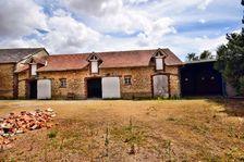 Berchères-Saint-Germain, 28300, grange d'environ 250 m2 avec dépendance d'environ 200 m2 sur un terrain de 875 m2. 126000 Berchères-Saint-Germain (28300)