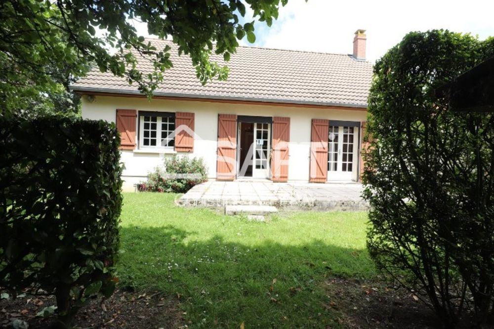 Vente Maison Pavillon de plein pied sur sous sol avec une terrasse à l'abris des regards.  à Bernaville