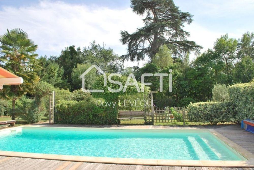Vente Maison Tres belle maison sur terrain de 2536 m² avec piscine  à Auch