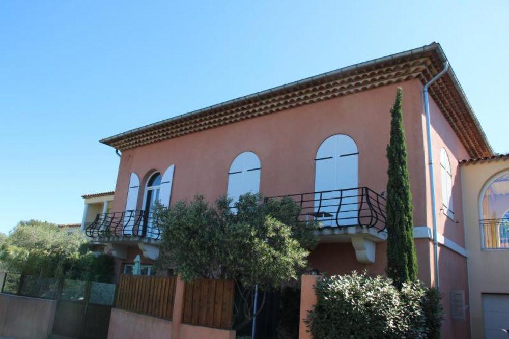 Vente Maison BAISSE DE PRIX : A SAINTE MAXIME, MAISON AVEC 5 CHAMBRES  à Sainte-maxime