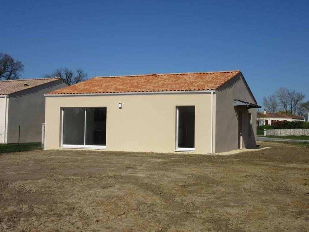 Location Maison Location Maison 82 m² à Saint-Savinien 650 ¤ CC /mois  à Saint-savinien