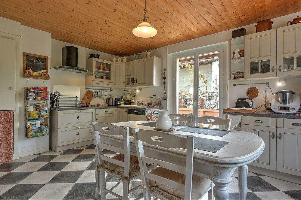 vente Appartement - 4 pièce(s) - 83 m² La Roche-sur-Foron (74800)