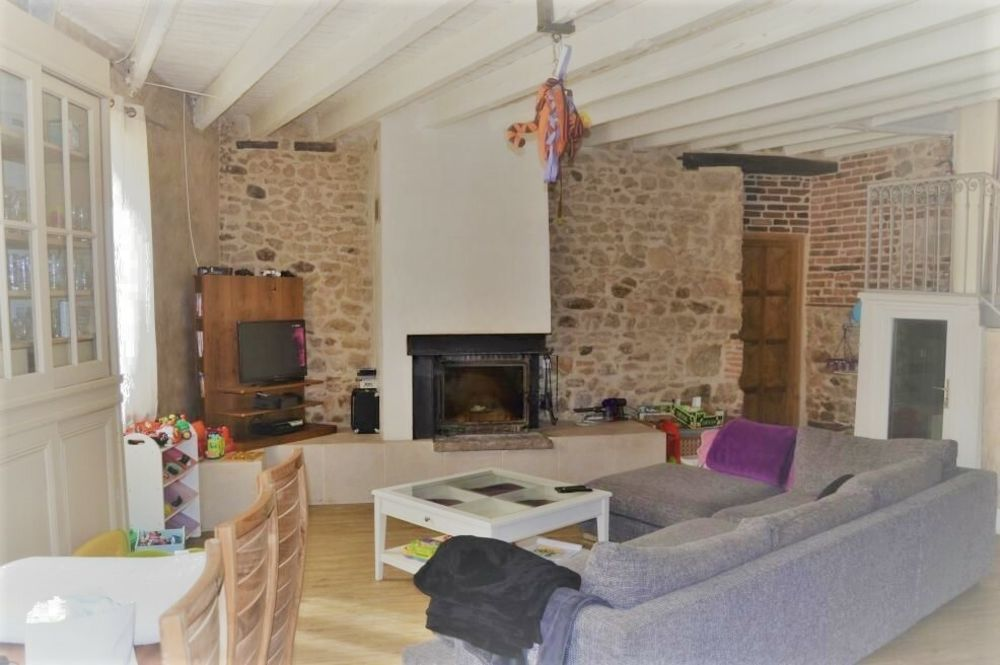 vente Maison - 8 pièce(s) - 240 m² Saint-Bonnet-le-Troncy (69870)