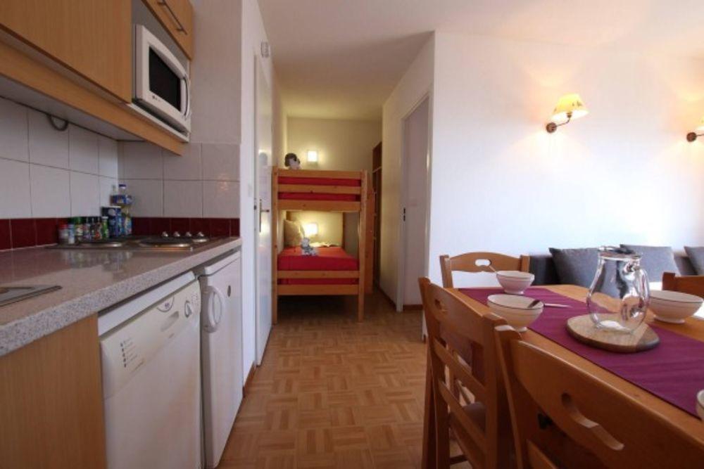 Gentianes abcd Alimentation < 1 km - Centre ville < 1 km - Télévision - Lave vaisselle . . . Provence-Alpes-Côte d'Azur, Puy-Saint-Vincent (05290)