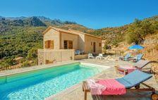 Location avec piscine privée Piscine privée - Télévision - Terrasse - Vue montagne - place de parking en extérieur . . . Corse, Feliceto (20225)