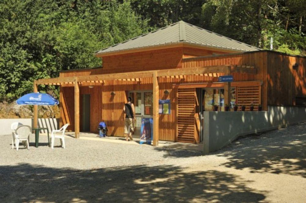 Flower Camping La Plage - Freeflower Confort 37m² (2 chambres) dont terrasse couverte de 13m² SANS SANITAIRE Piscine couverte - Limousin, Treignac (19260)
